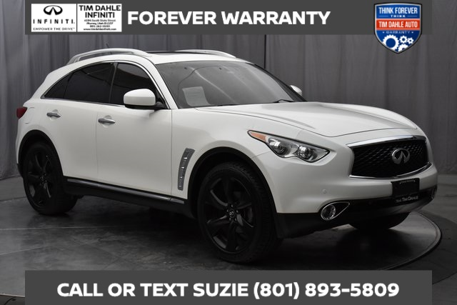 Pre-Owned 2017 INFINITI QX70 Sport Wheels